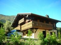 Well placed 4 bedroomed chalet in  Les Houches