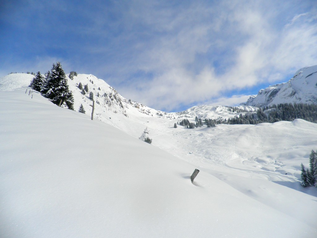 The col de Cou, also a popular valley with ski tourers