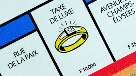 french monopoly board saying taxe de luxe