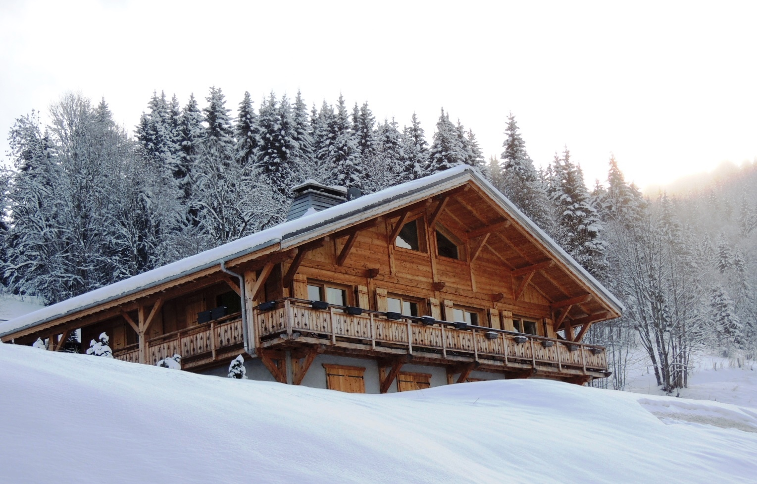 chocolate box ski chalet for sale in Les Gets, Portes du Soleil, French Alps